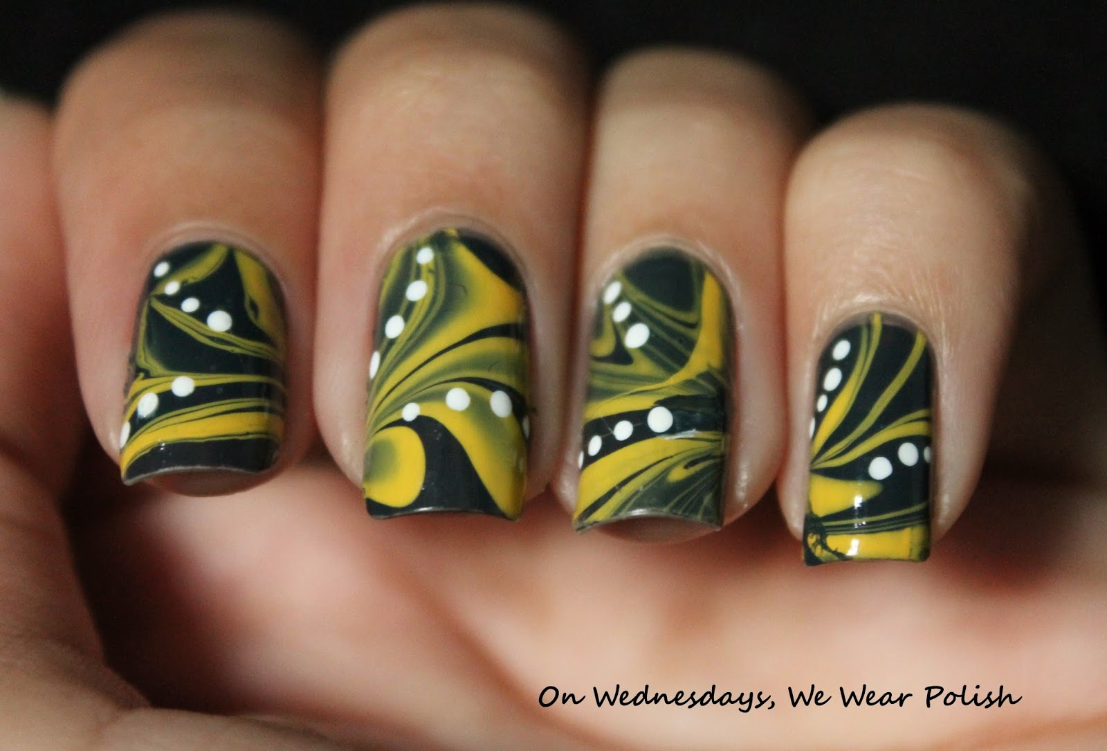 On Wednesdays, We Wear Polish : Taxi!!!! A New York City Manicure