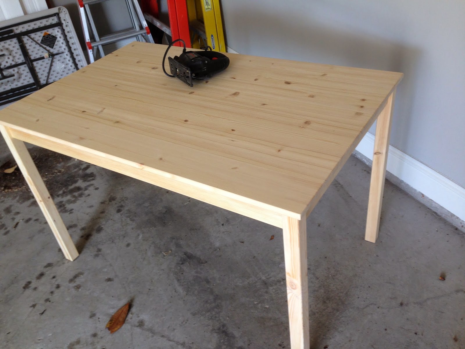 A little of this a little of that diy lego table - Tables de cuisine ikea ...