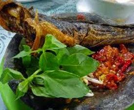 Resep praktis (Mudah) membuat masakan pecel lele sambal pedas khas lamongan enak, lezat