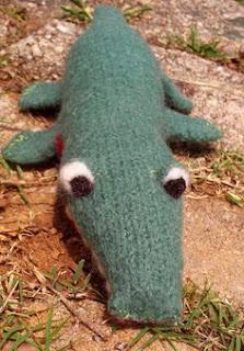 http://translate.googleusercontent.com/translate_c?depth=1&hl=es&rurl=translate.google.es&sl=en&tl=es&u=http://www.scribd.com/doc/15735731/Ally-Gator-Pattern-A-felted-Knit-Toy&usg=ALkJrhikOVMf8c7SMnSnyGIHotBxko6VTg