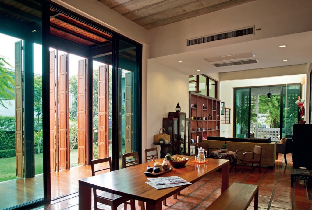 Harirak House - Tropical Architecture