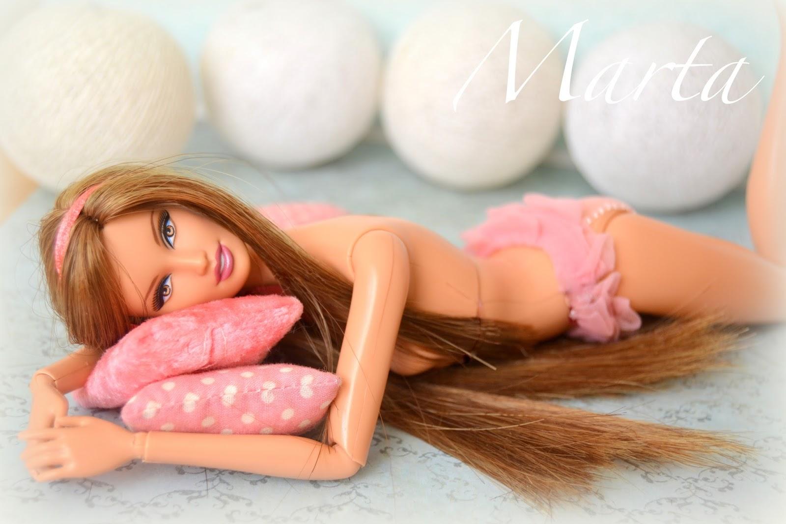 Barbie basics jeans Lara. OOAK. Reroot. Lencería para muñecas.