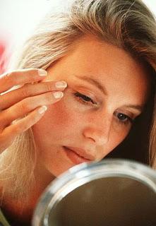 Tips Menghindari Kerutan Pada Wajah Dengan Melakukan Senam Wajah.