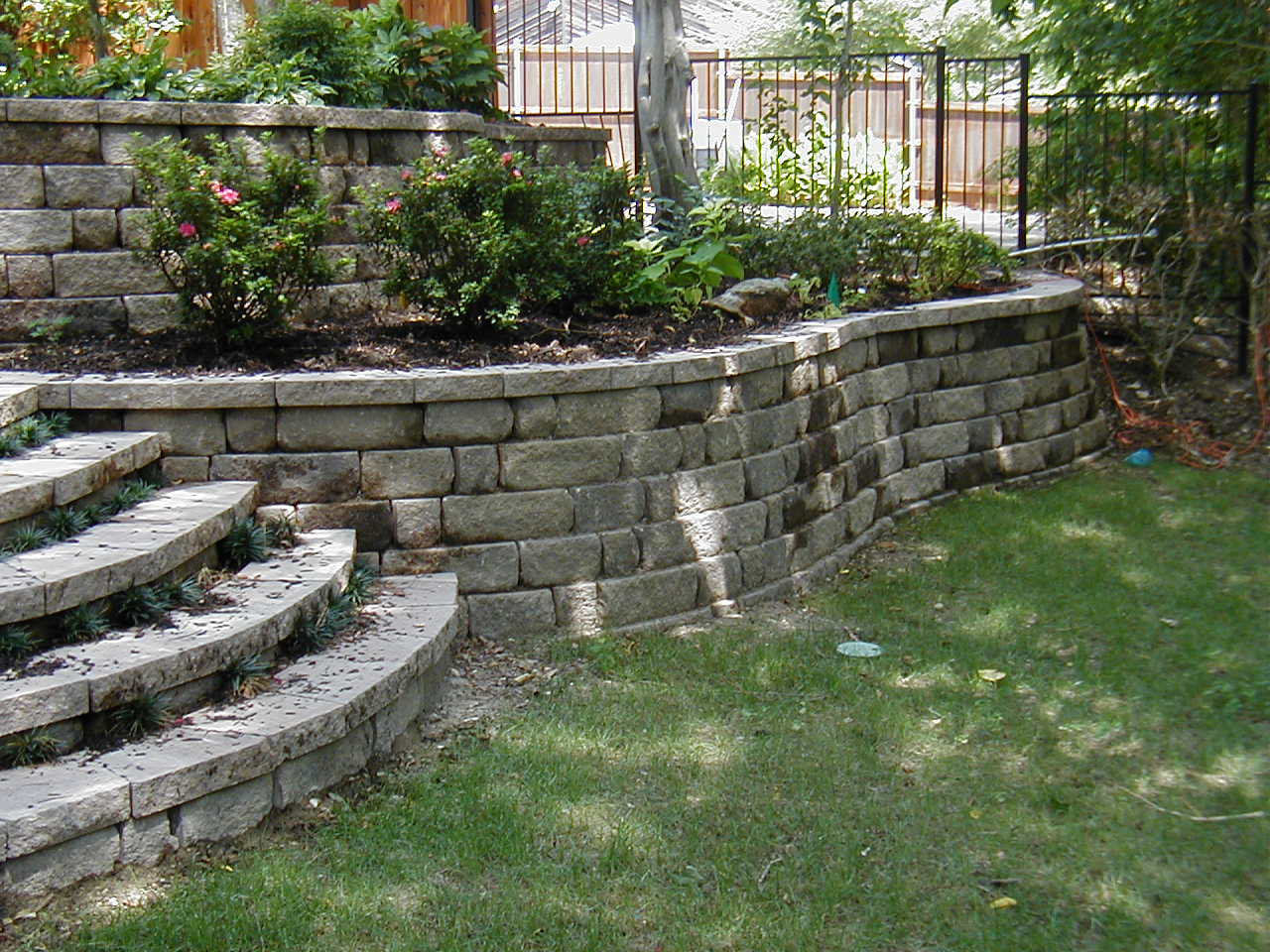 Landscaping Wall Steps : Landscapexperts how crabapple builds your stone retaining wall