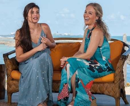 Angélica comete gafe em entrevista com Camila Queiroz