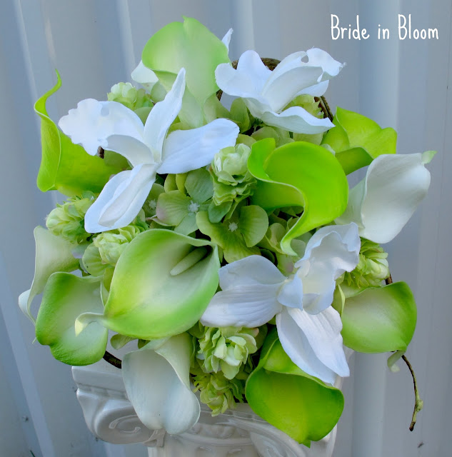 Bride In Bloom Orchids A Great Wedding Flower Choice