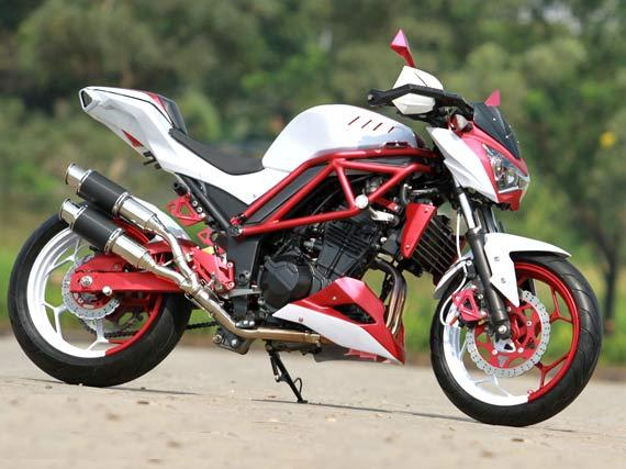 Modifikasi Kawasaki Z250 Dobel Racing. title=