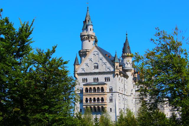 http://hello-barbara.blogspot.com/2015/09/neuschwanstein-castle.html