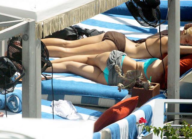 Selena Gomez Bikini Photos