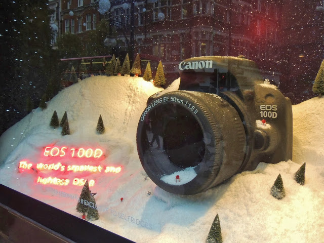 Giant camera in Selfridges visual merchandising for Christmas 20133