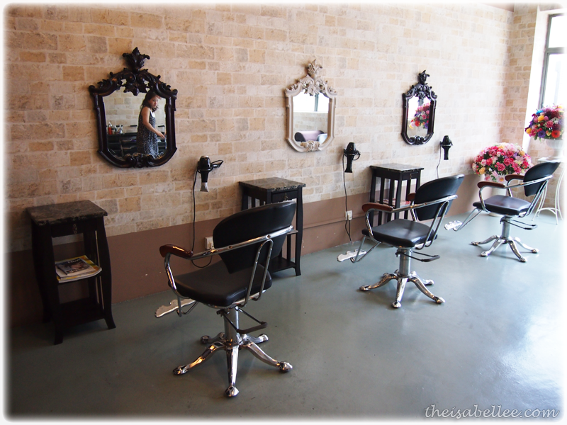 Mirror Mirror Hair Salon interior design