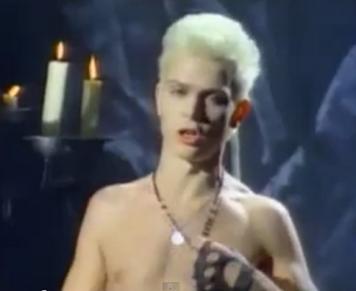 videos-musicales-de-los-80-billy-idol-white-wedding
