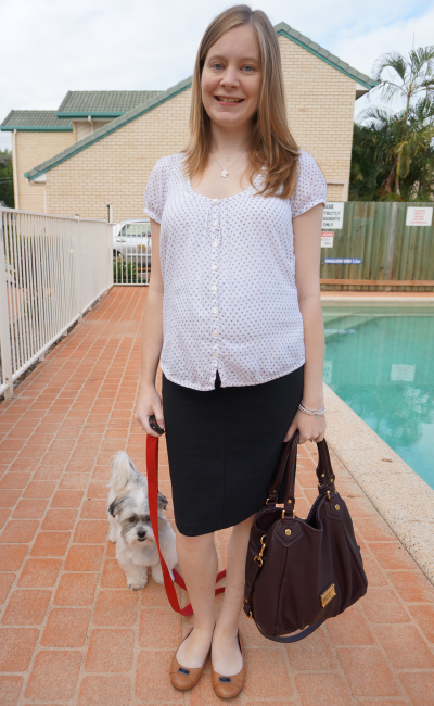 second trimester baby bump professional office wear outfit idea soon maternity pencil skirt