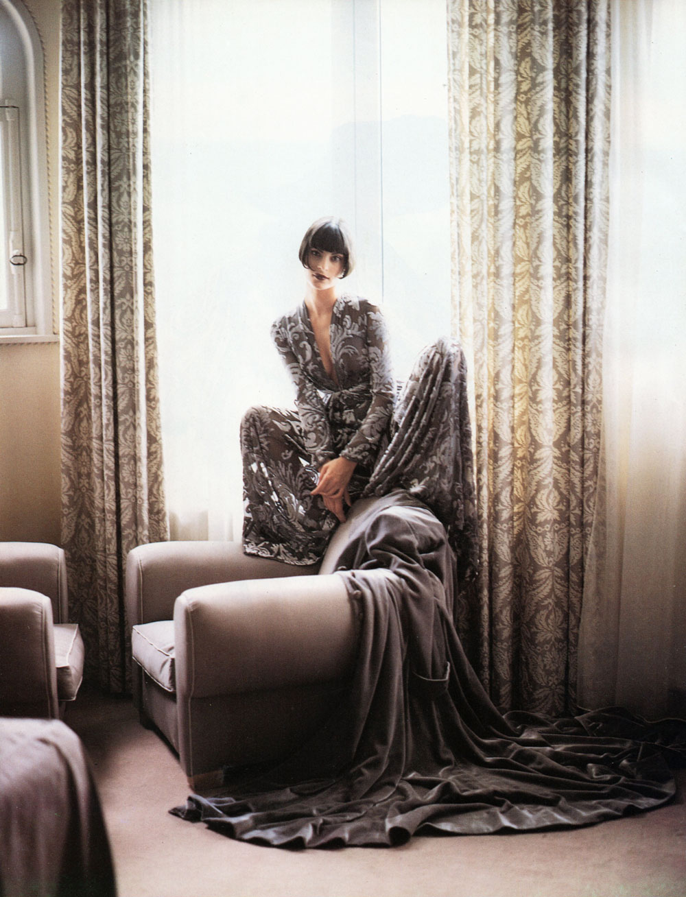 agali Amadei in Vogue Italia September 1993 (photography: Walter Chin, styling: Anna Dello Russo)