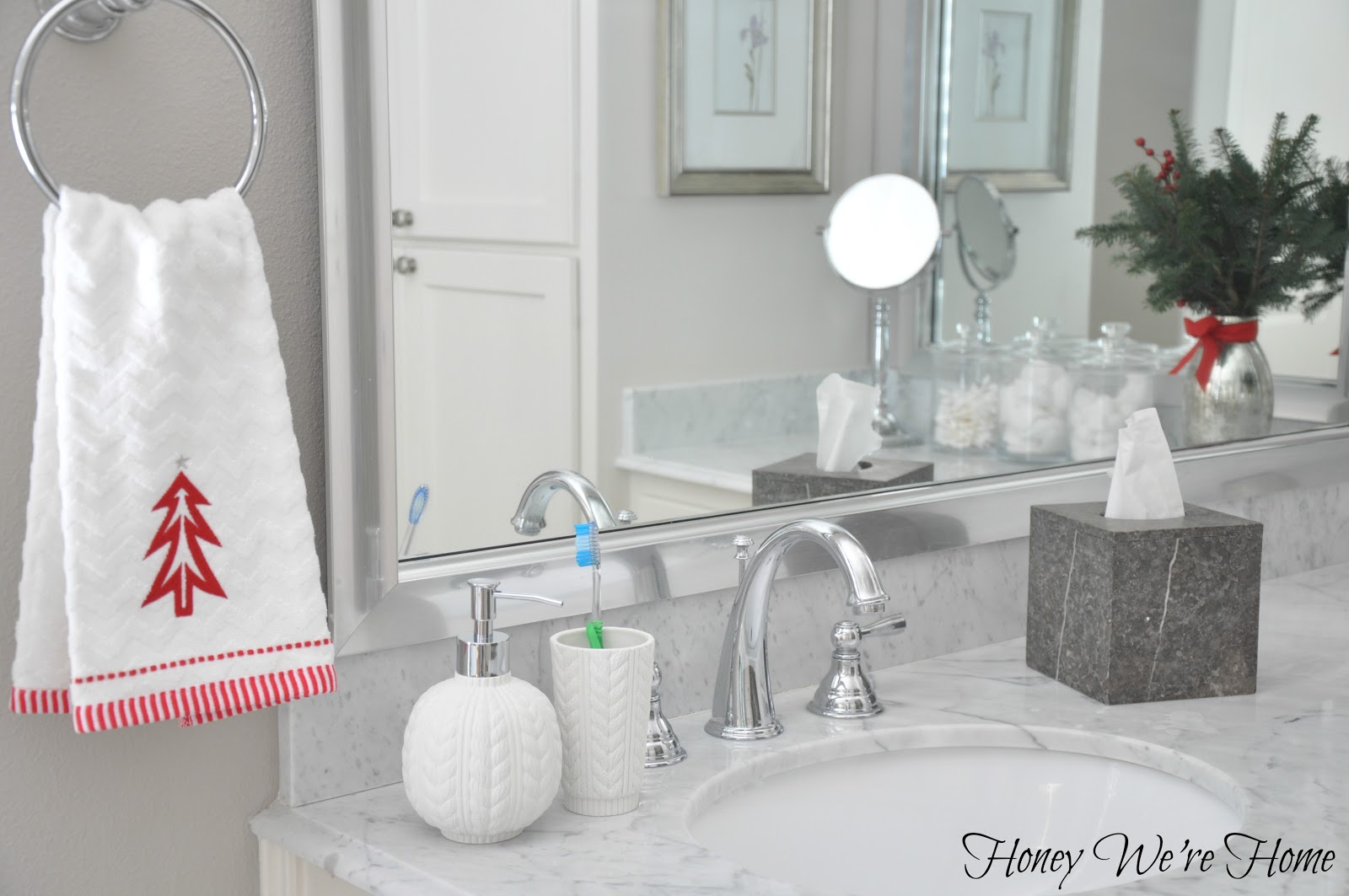 Target holiday accessories in the bathroom honey we 39 re home for Bathroom decor 2012
