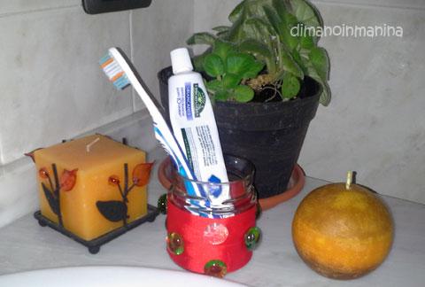 Di mano in manina il fai da te della domenica porta - Porta testine spazzolino ...