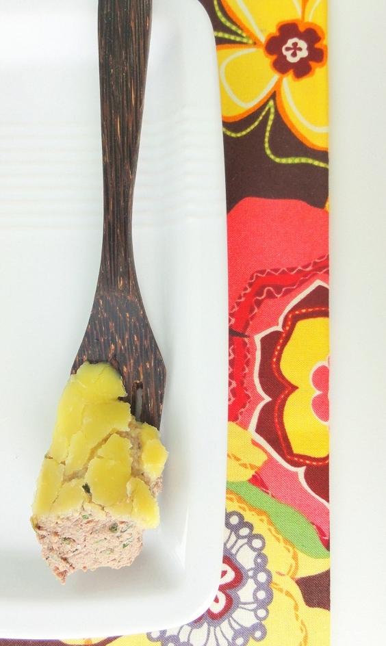 Паштет из куриной печени с кедровыми орехами и коньяком