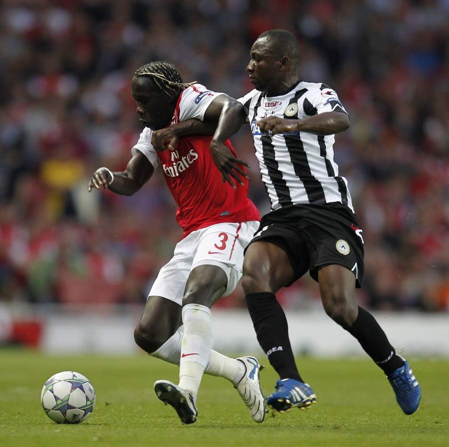 Foto Pertandingan Arsenal Vs Udinese Kualifikasi Liga Champion 2011
