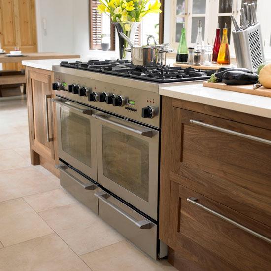 Kitchen Design Range Cooker: New Home Interior Design: Take A Tour Of This Glamorous