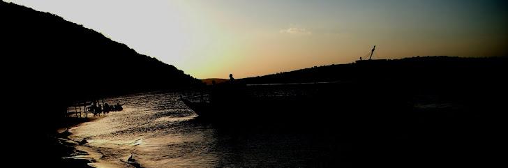 Rio São Francisco ao lado da Serra da Tabanga