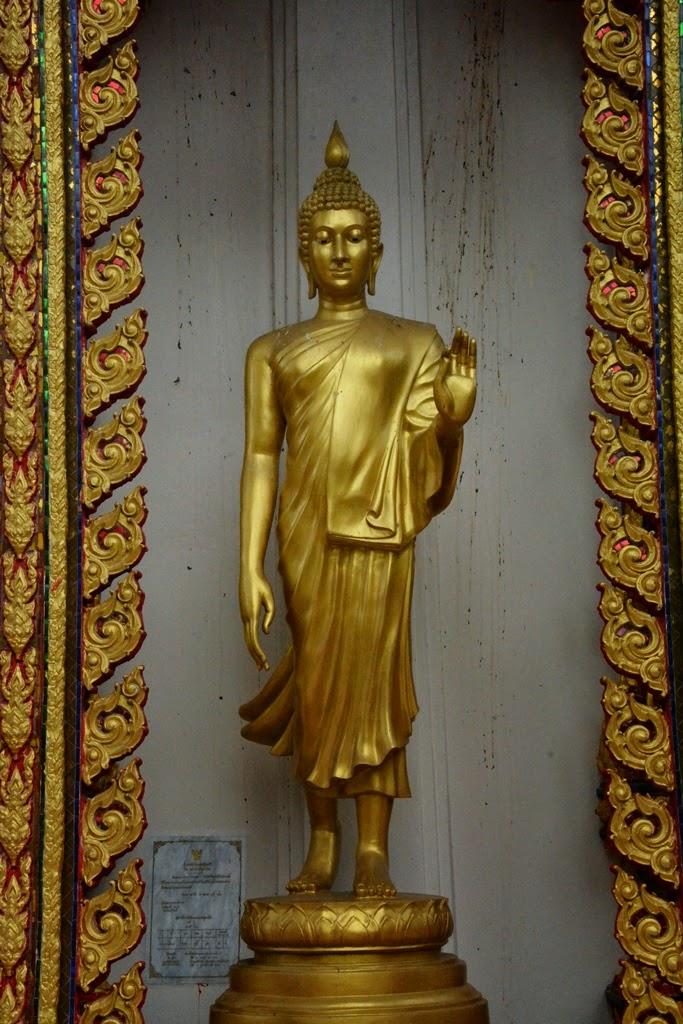 Wat Suvan Patong Beach statue