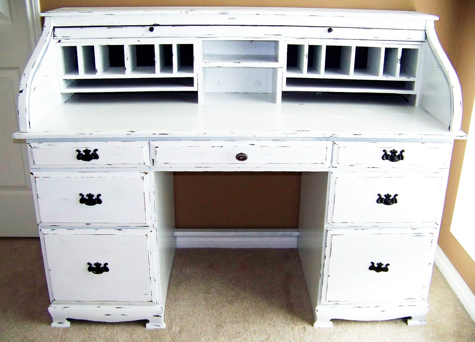 How To Paint Furniture And Antique A Desk At The36thavenue.com