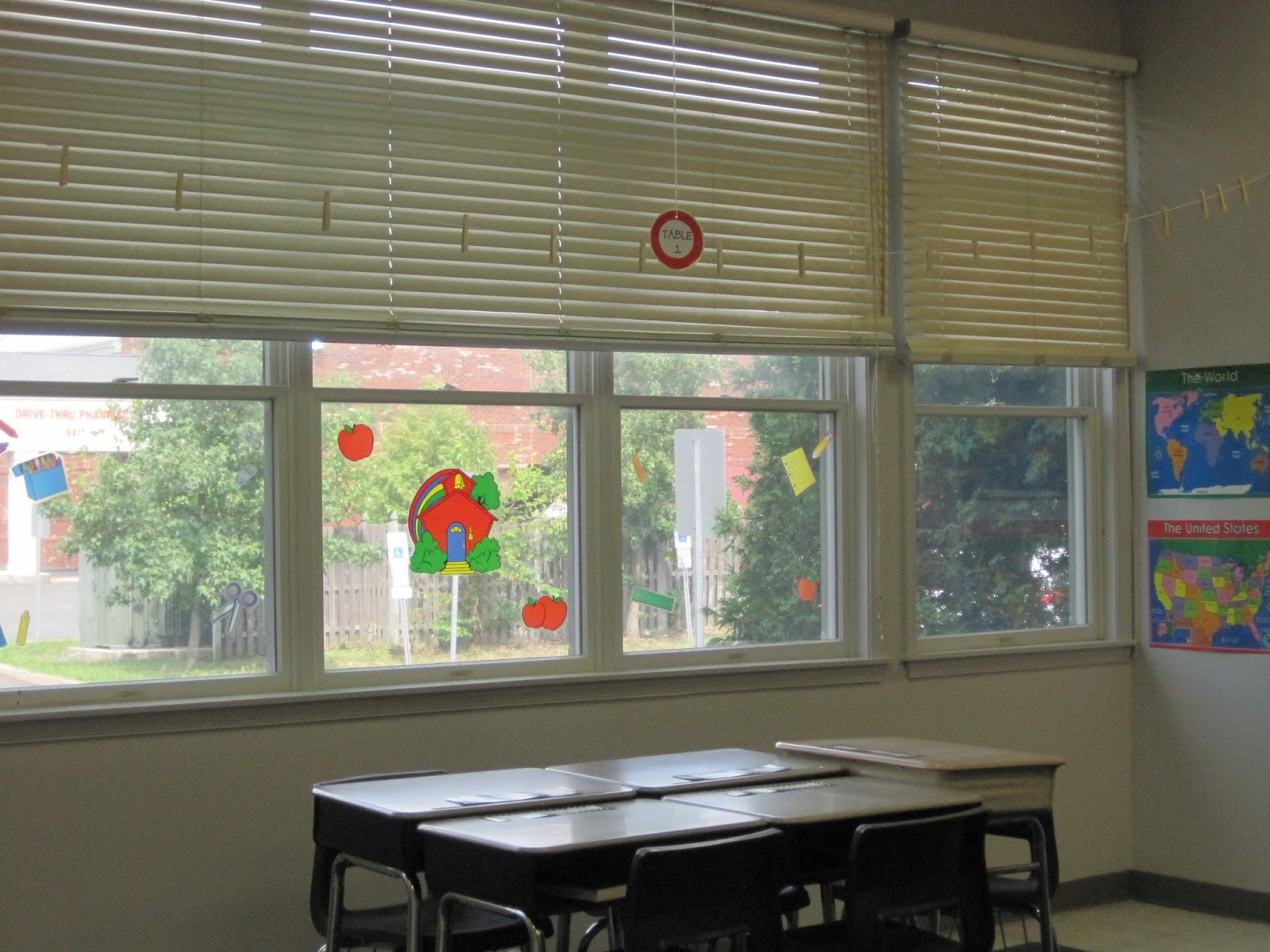 Classroom Window Ideas : The third grade learning spot classroom set up