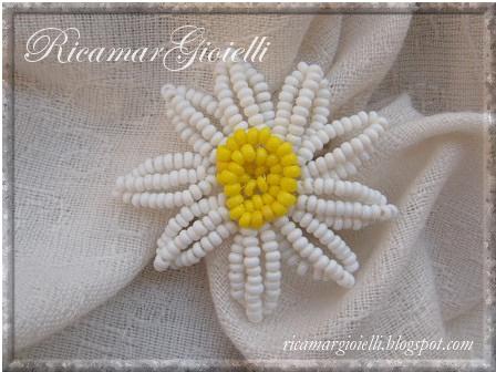 margherita fiore di perline
