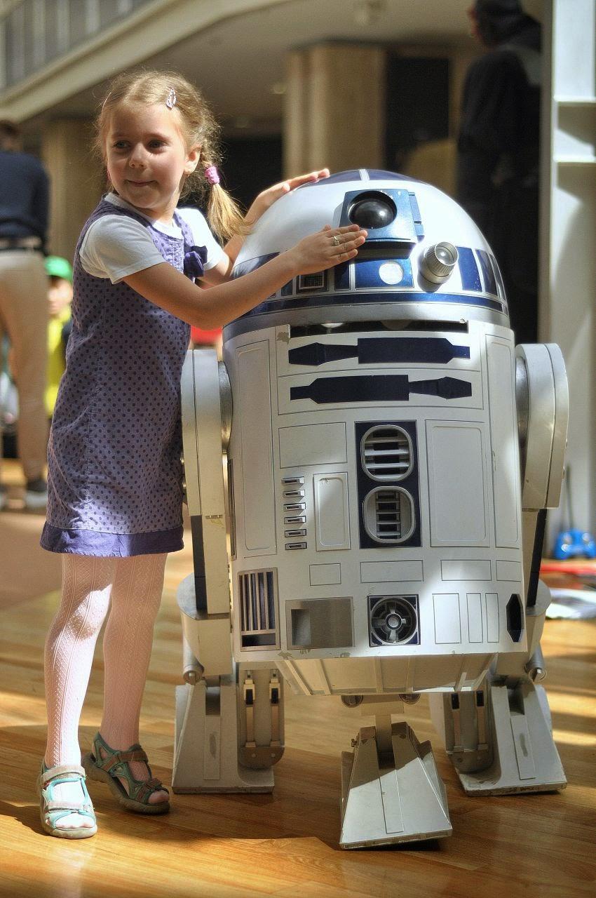 R2D2 na Dniu Dziecka w Pasażu Grunwaldzkim