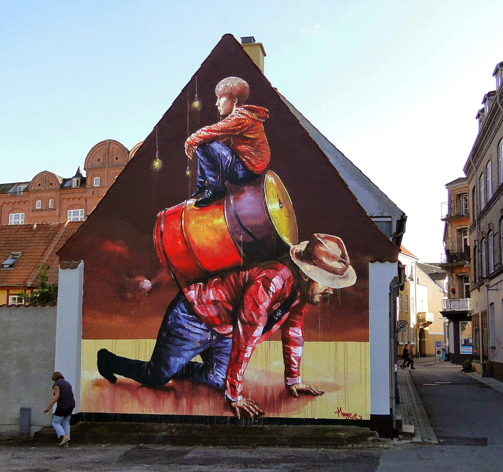 Fintan Magee spent the last few days in Denmark where he was invited to paint for the We Aart Festival.