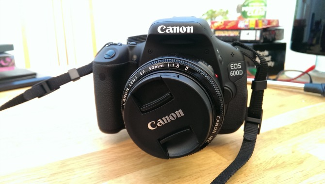The front of the Canon EOS 600d with the 50mm lens
