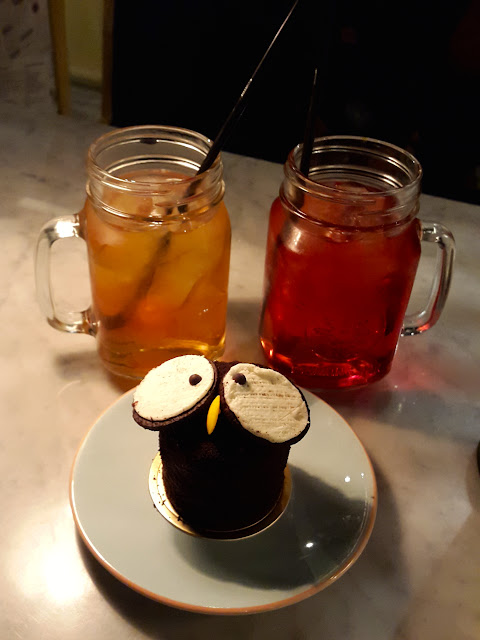 Fruit teas and owl cake at Hans & Belle Puri Indah Mall
