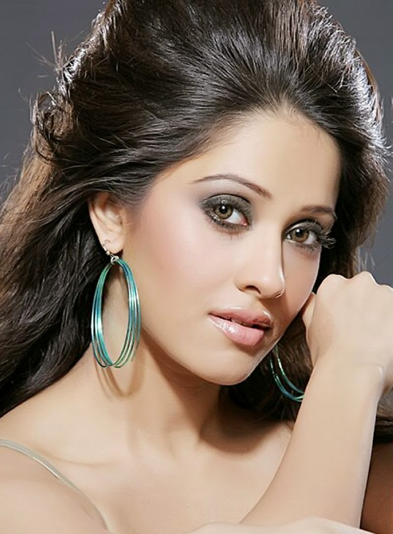 nushrat bharucha hd wallpapers free download hd