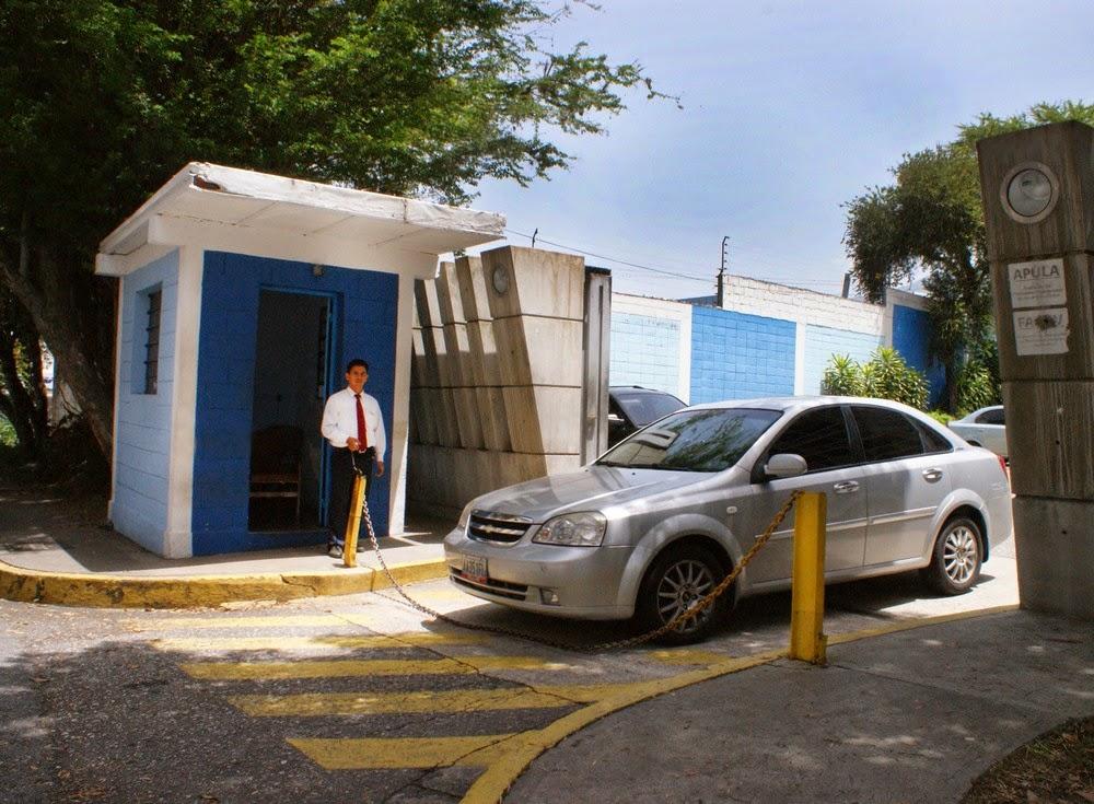 La vigilancia de la ULA trabaja día y noche en resguardo de nuestros bienes e instalaciones.  (Foto: Carlos Castro)