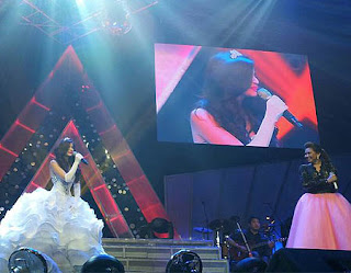 Anne Curtis Annebisyosa No Other Concert white gown with Sarah Geronimo