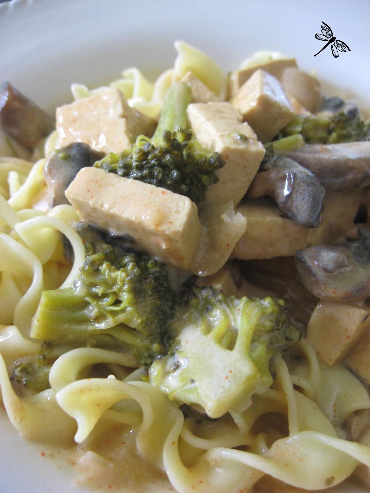 Tofu stroganoff
