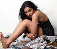 Padmapriya, sexy, poss, photos, stills