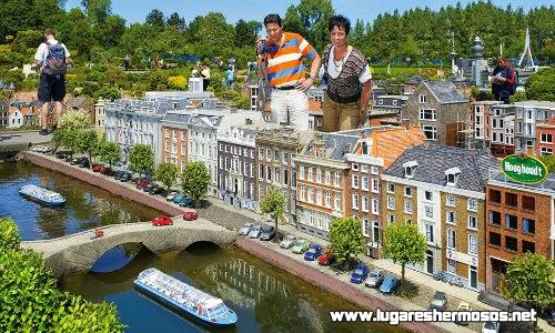 Lugares hermosos con modernidad e historia en Holanda