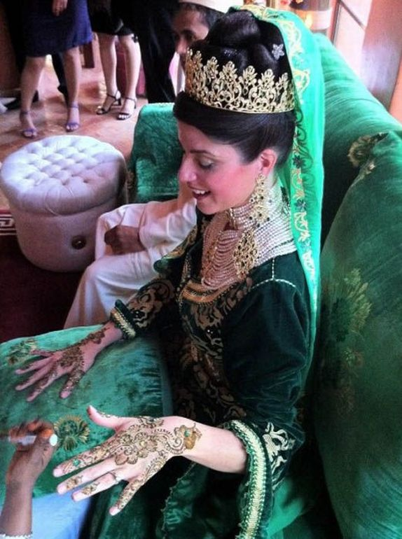 Afghan Wedding Traditions http://rttimbul.blogspot.com/2011/06/wedding-traditions-around-world.html