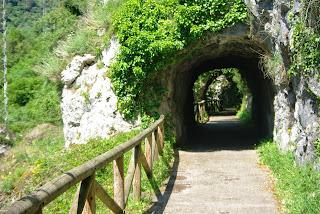 Senda del oso, zona de túneles