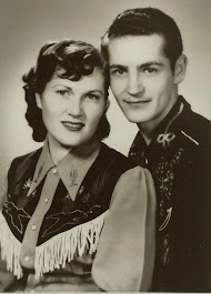 Lois and Del: The Dakota Ramblers
