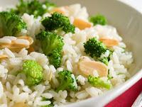 Arroz com Brócolis e Amêndoas (vegana)