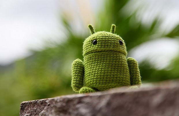 What security flaws are in Android 4.4?