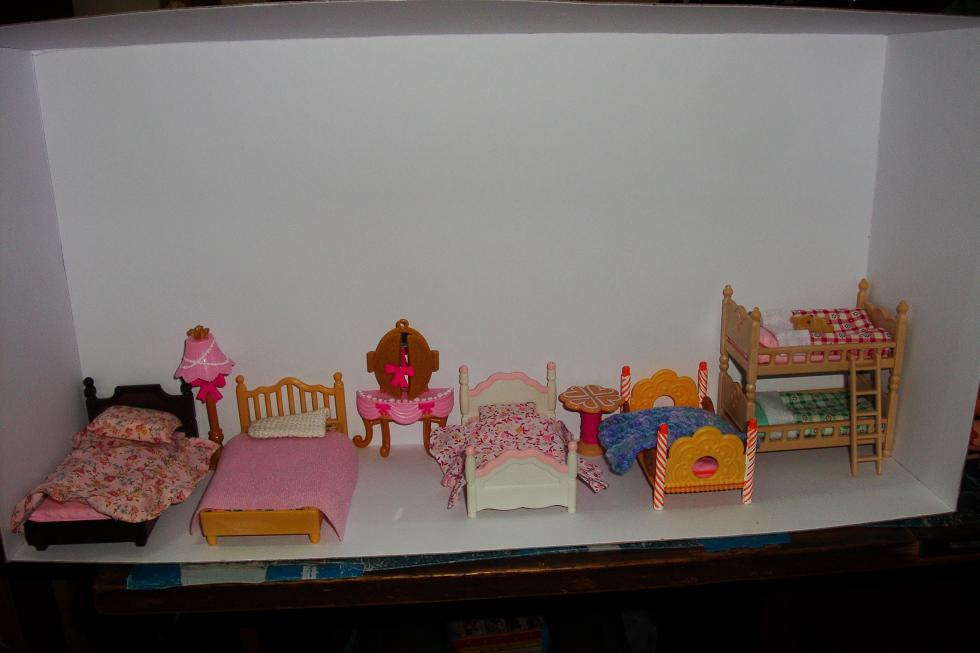 A slightly different angle of the quasi-dollhouse