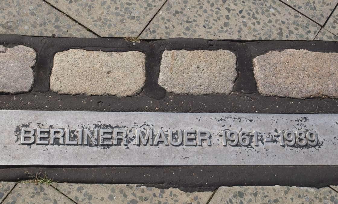 Derecho Internacional y Muro de Berlin