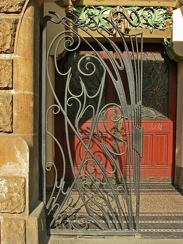 source & La Maison Boheme: Art Nouveau Doors pezcame.com