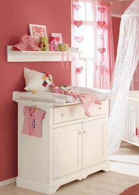 dormitorio con corazones bebé