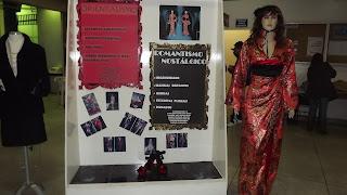 Semana de Moda - Exposição dos Alunos - Orientalismo e Romantismo Nostalgico - Vitrine e Modelo