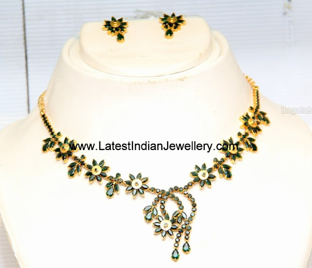 Floral Design Emerald Necklace