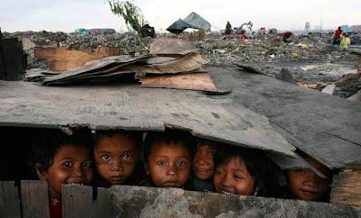 افريقيا الاطفال بدون السماء تعرّف url.jpg